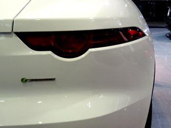 Jaguar F-TYPE 2.0 Turbocharged R-Dynamic 2dr Auto 300PS  image 6 thumbnail