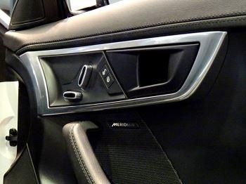 Jaguar F-TYPE 2.0 Turbocharged R-Dynamic 2dr Auto 300PS  image 12 thumbnail