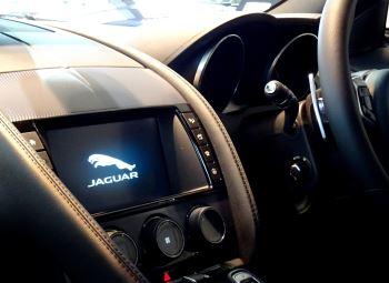 Jaguar F-TYPE 2.0 Turbocharged R-Dynamic 2dr Auto 300PS  image 21 thumbnail