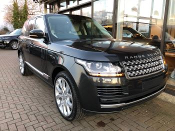 Land Rover Range Rover 3.0 TDV6 Vogue 4dr Diesel Automatic 5 door 4x4 (2017) image