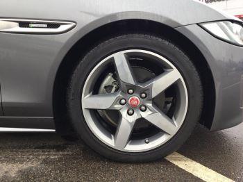 Jaguar XE 2.0d [180] R-Sport image 5 thumbnail