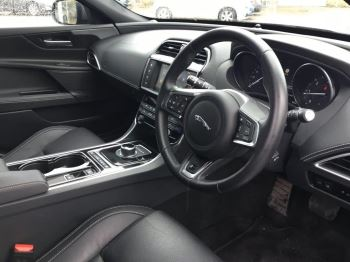 Jaguar XE 2.0d [180] R-Sport image 9 thumbnail