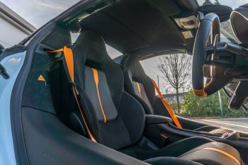 McLaren 570S Spider MSO LAUNCH EDITION image 16 thumbnail