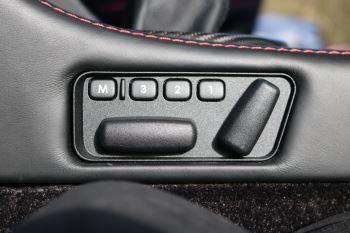 Aston Martin V8 Vantage S Coupe GT8 2dr image 38 thumbnail