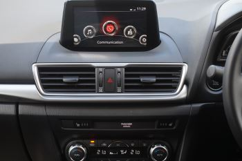 Mazda 3 2.2d SE-L Nav 5dr image 10 thumbnail