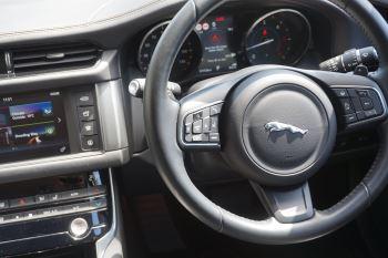 Jaguar XF 2.0d [180] Portfolio image 14 thumbnail