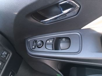Nissan Micra 1.5 dCi N-Connecta 5dr image 3 thumbnail