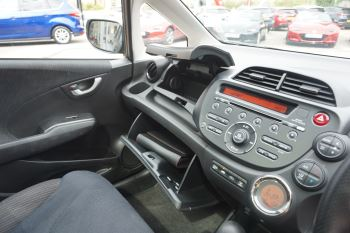 Honda Jazz 1.4 i-VTEC EX CVT image 19 thumbnail
