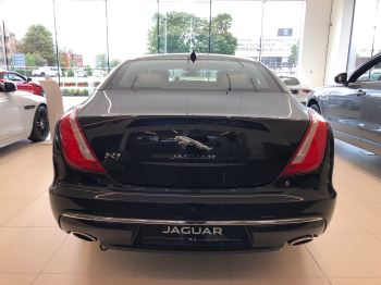 Jaguar XJ 3.0d V6 Portfolio image 4 thumbnail