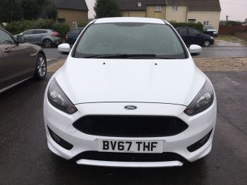 Ford Focus 1.0 EcoBoost 125 ST-Line 5dr image 2 thumbnail