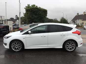 Ford Focus 1.0 EcoBoost 125 ST-Line 5dr image 5 thumbnail