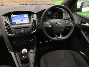 Ford Focus 1.0 EcoBoost 125 ST-Line 5dr image 15 thumbnail