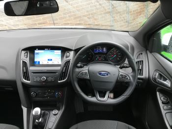 Ford Focus 1.0 EcoBoost 125 ST-Line 5dr image 17 thumbnail