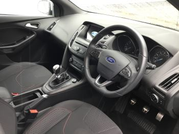 Ford Focus 1.0 EcoBoost 125 ST-Line 5dr image 21 thumbnail