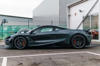 McLaren 720S Performance V8 Coupe SSG image 2 thumbnail
