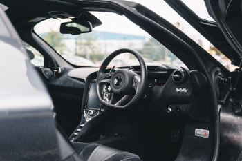 McLaren 720S Performance V8 Coupe SSG image 26 thumbnail