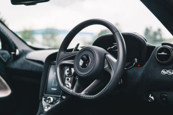 McLaren 720S Performance V8 Coupe SSG image 27 thumbnail
