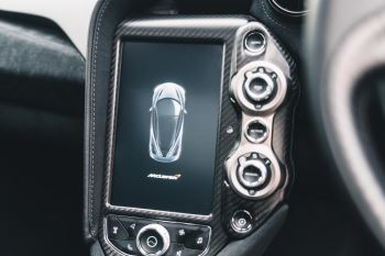 McLaren 720S Performance V8 Coupe SSG image 43 thumbnail