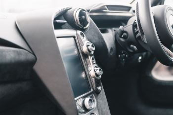 McLaren 720S Performance V8 Coupe SSG image 62 thumbnail