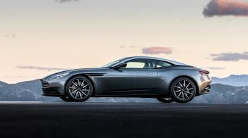Aston Martin DB11 V12 with 5 years free servicing* image 2 thumbnail