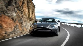 Aston Martin DB11 V12 with 5 years free servicing* image 6 thumbnail