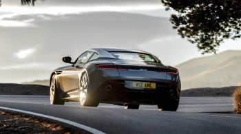 Aston Martin DB11 V12 with 5 years free servicing* image 8 thumbnail