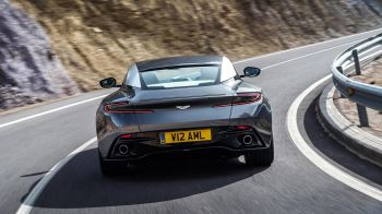 Aston Martin DB11 V12 with 5 years free servicing* image 13 thumbnail