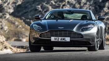 Aston Martin DB11 V12 with 5 years free servicing* image 14 thumbnail