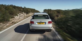 Bentley Bentayga Hybrid -  Bentley's first luxury hybrid image 9 thumbnail