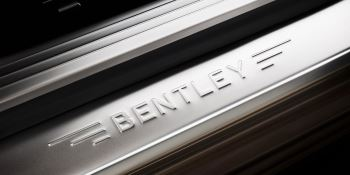 Bentley Flying Spur V8 - Innovatively designed, precision-engineered image 4 thumbnail