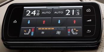 Bentley Flying Spur V8 - Innovatively designed, precision-engineered image 7 thumbnail