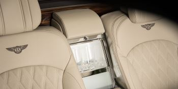 Bentley Mulsanne Extended Wheelbase - The most luxurious car in the range image 17 thumbnail