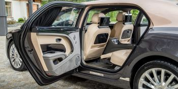 Bentley Mulsanne Extended Wheelbase - The most luxurious car in the range image 15 thumbnail