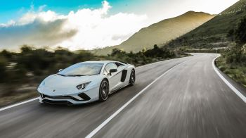 Lamborghini Aventador S Coupe - The Icon Reborn image 10 thumbnail