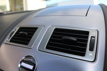 Aston Martin V8 Vantage Roadster 2dr [420] image 16 thumbnail