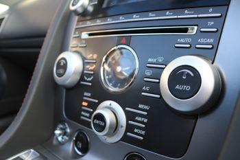 Aston Martin V8 Vantage Roadster 2dr [420] image 20 thumbnail
