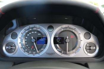 Aston Martin V8 Vantage Roadster 2dr [420] image 21 thumbnail
