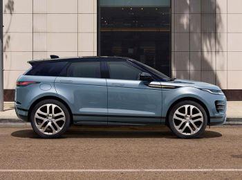 Land Rover New Range Rover Evoque D150 AWD AUTO image 4 thumbnail