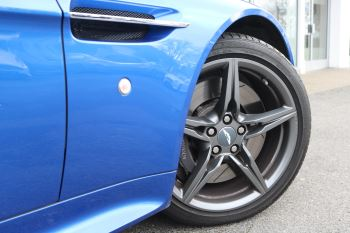 Aston Martin V8 Vantage S S 2dr Sportshift image 12 thumbnail