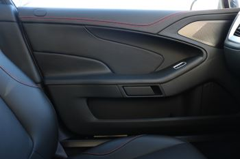 Aston Martin Vanquish V12 [568] 2+2 2dr Touchtronic 8 speed Carbon 17 Model Year Apple Car Play  image 11 thumbnail