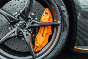 McLaren 675LT Spider MSO Carbon Series image 18 thumbnail