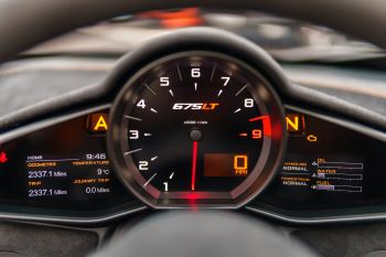 McLaren 675LT Spider MSO Carbon Series image 25 thumbnail