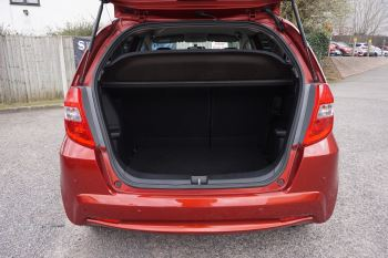 Honda Jazz 1.4 i-VTEC ES Plus CVT image 6 thumbnail
