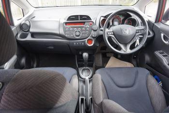 Honda Jazz 1.4 i-VTEC ES Plus CVT image 10 thumbnail