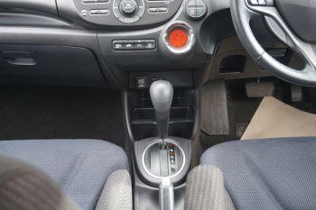 Honda Jazz 1.4 i-VTEC ES Plus CVT image 12 thumbnail