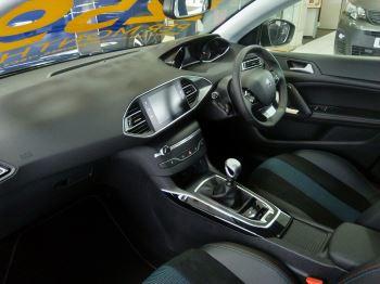Peugeot 308 1.5 BlueHDi 130 Tech Edition image 4 thumbnail