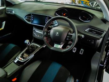 Peugeot 308 1.5 BlueHDi 130 Tech Edition image 8 thumbnail