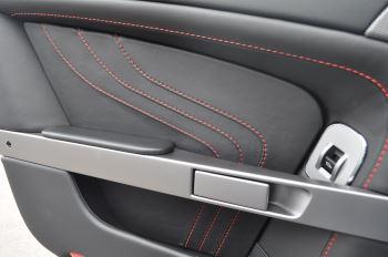 Aston Martin V8 Vantage S Coupe Coupe image 32 thumbnail