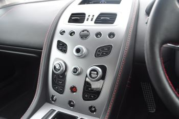 Aston Martin V8 Vantage S Coupe Coupe image 34 thumbnail
