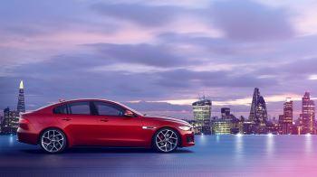 Jaguar XE 2.0d R-Dynamic HSE image 7 thumbnail